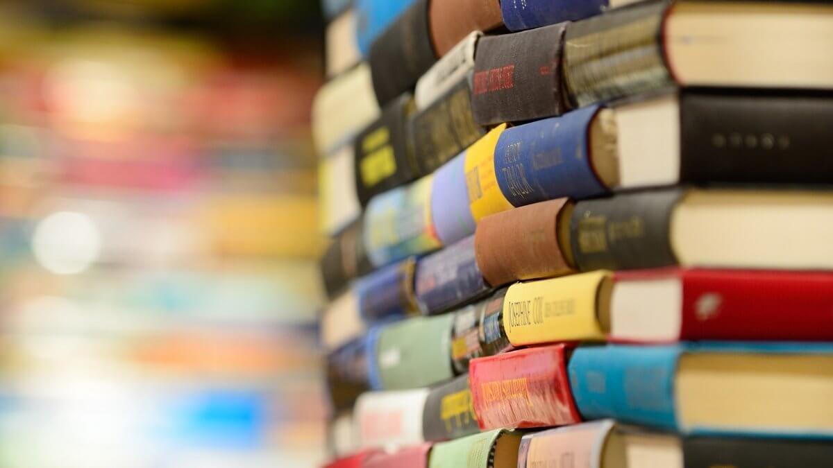 بهترین-کتابها-برای-یادگیری-زبان-انگلیسی