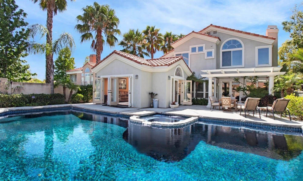 Living Arrangements and Dream House